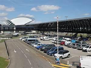 Aéroport De Lyon Parking : adresse aeroport saint exupery lyon gps ~ Medecine-chirurgie-esthetiques.com Avis de Voitures