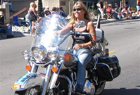 Harley Women Riding Alone Are Looking For Harley Men