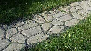 Beton Im Garten : diy gartenweg mit licht und beton schablone selbst angelegt ~ Markanthonyermac.com Haus und Dekorationen
