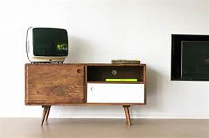 Tv Möbel Design Italien : tv m bel 1969 retro linie naturfarbe und praktisches design ~ Sanjose-hotels-ca.com Haus und Dekorationen