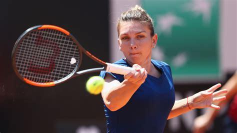 Simona Halep | Clothing, Shoes and Tennis Racket | MisterTennis.com