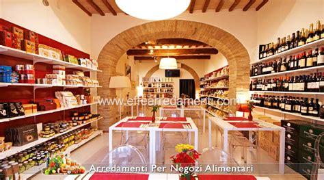 scaffali in legno per negozi arredamenti per negozi alimentari botteghe allestimento