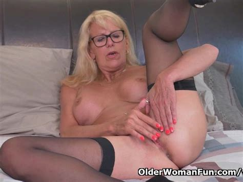 Blonde Milf Bianca Finger Fucks Her Mature Pussy Free