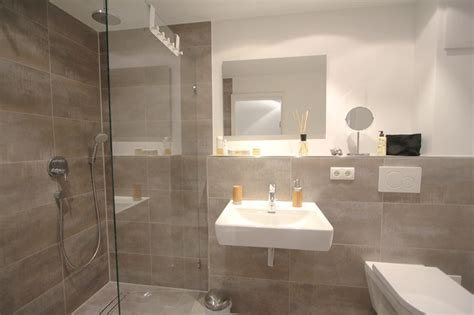 Stylisches Badezimmer In Betonoptik Mit Raindance Dusche