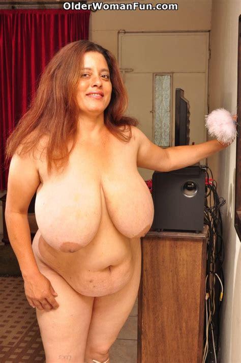 year old BBW milf Rosaly loves cleaning up Albúm de fotos de Older Woman Fun XVIDEOS COM