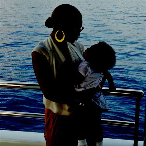 Beyoncé, Blue Ivy Share Tender Moment in Intimate Tumblr ...
