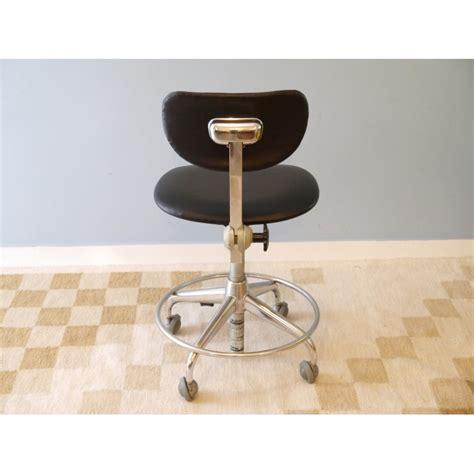chaise de bureau vintage chaise bureau vintage industrielle roulettes la maison retro