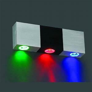 Cool white LED wall lamp