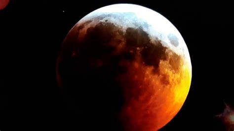 أنهما آيتان من آيات الله يخوف الله بهما عبادة حتى يرجعوا إليه، قَالَ : خسوف القمر 21.1.2019. - YouTube