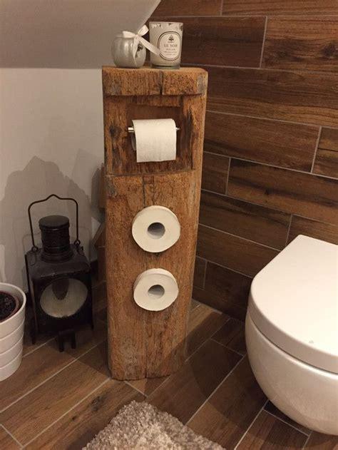 toilettenpapierhalter aus  jaehrigem fachwerk holz