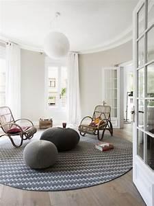 style scandinave a la maison dites oui au confort et au With canapé scandinave convertible avec tapis enfant rond
