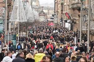 Last minute Christmas shopping: High street set for ...