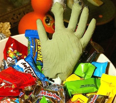 Poisoned Halloween Candy Snopes candy myths are these horror stories really true