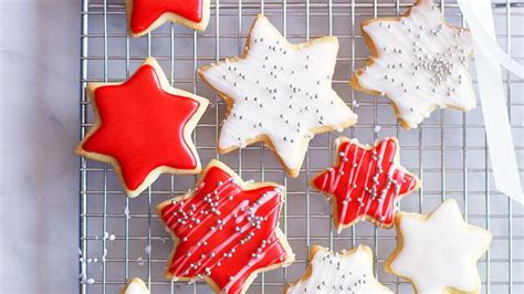 decorated christmas cookies recipe food  love