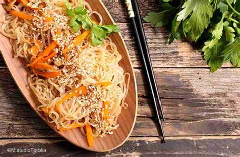 nudeln ohne kalorien shirataki nudeln pasta fast ohne kalorien geht das