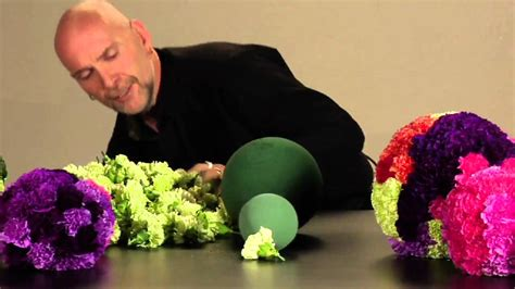 how to a flower how many flowers fit on an oasis sphere youtube