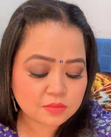 Bharti Singh making eyebrows without pain at home | News ...