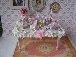 Shabby Chic Accessoires : no l table miniature shabby chic accessoires de maison par cannelle miniatures shabby ~ Markanthonyermac.com Haus und Dekorationen
