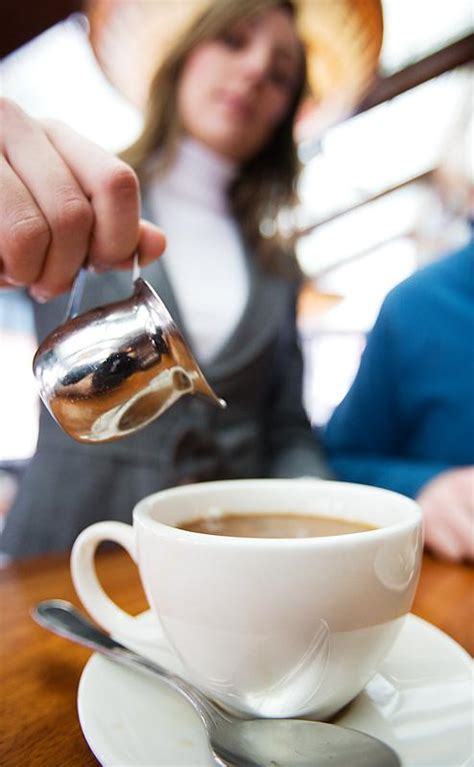 How To Serve Tea Or Coffee In Restaurant (sop
