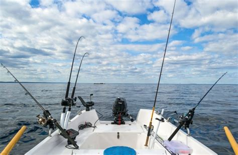 Best Saltwater Fishing Boats For Beginners by Saltwater Fishing Tips For Beginners Fishin Things