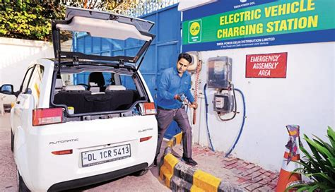Civic Bodies Buy E-cars,to Set Up Charging Stations