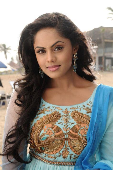 thoothukudi actress karthika movies karthika nair stills from vaa movie photos images