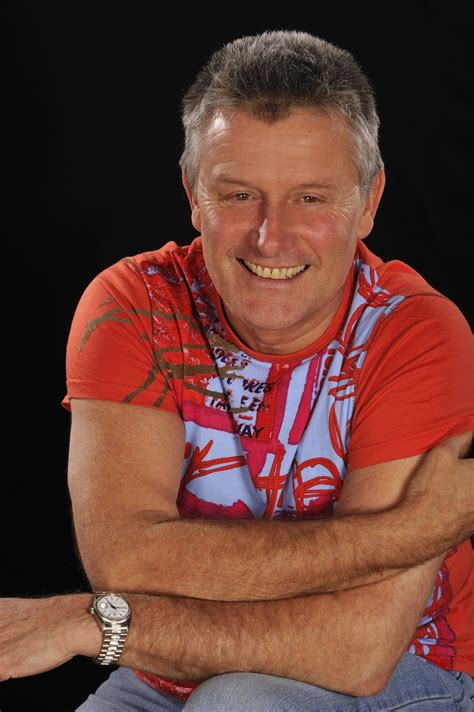 Carl Palmer, iconic drummer, performs | Entertainment ...