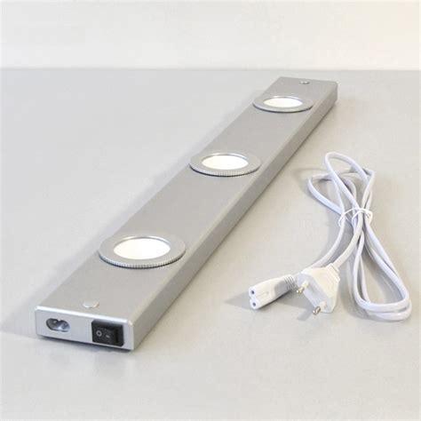 re lumineuse led cuisine les led pour dessous de meubles luminaire de salle de
