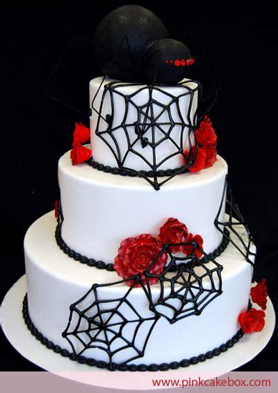 beautiful halloween wedding cakes   family table