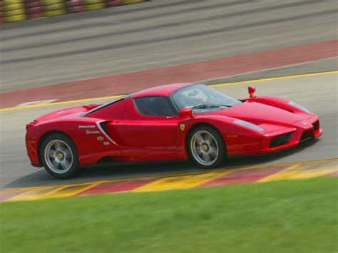 Enzo Pictures by New Enzo To Develop 920 Hp News Top Speed