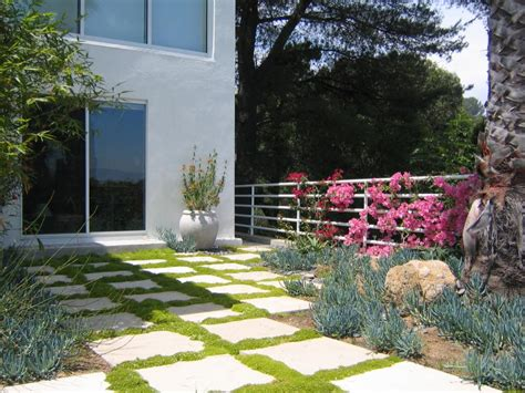10 Stunning Landscape Design Ideas