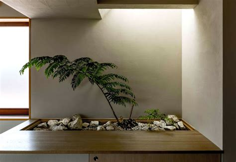 japan micro house  small zen garden interiorzine