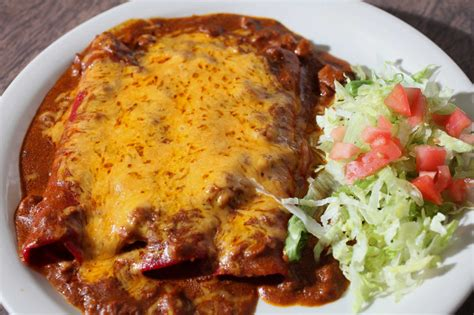 cuisine tex mex garcia 39 s combo plate is 39 finest reminder that tex mex is a