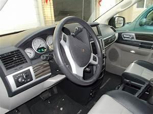 2010 Chrysler Town  U0026 Country Touring Plus