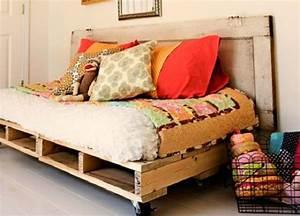 diy 12 meubles incroyables entierement fabriques avec With tapis chambre bébé avec canapé fait en palette