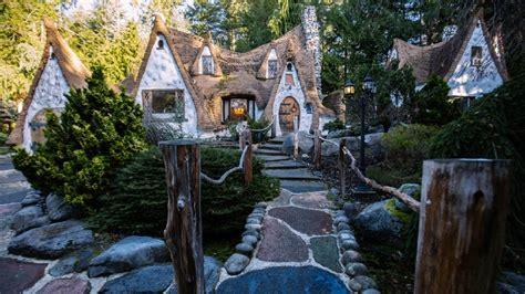 toured snow whites cottage  wa
