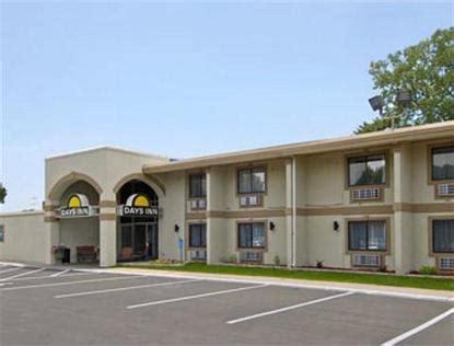 days inn bloomington bloomington deals see hotel photos