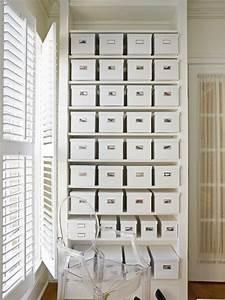 Schuhe Aufbewahren Ideen : 8 clever shoe storage tips hgtv ~ Markanthonyermac.com Haus und Dekorationen