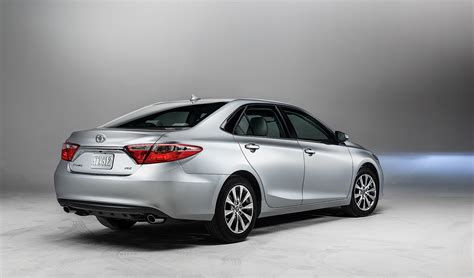toyota camry your new 2015 toyota camry starts at 22 970 autoevolution