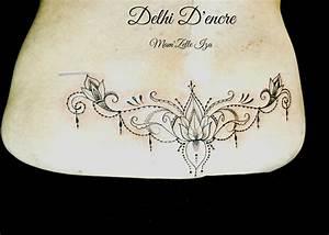 Tatouage Bas Dos Femme : tatouage bas du dos fleur de lotus ~ Nature-et-papiers.com Idées de Décoration
