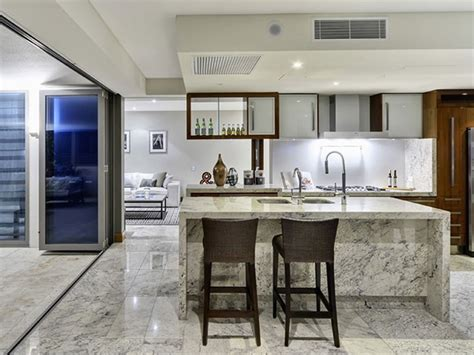 kitchen  dining room designs  grasscloth wallpaper