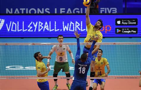 A seleção brasileira masculina fará três amistosos antes do embarque para a liga das nações. Liga das Nações de Vôlei Masculino 2018: Fase Final - Dia 2 - Surto Olímpico