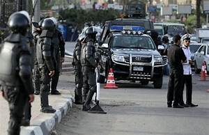 Egyptians attack police station after detainee's death