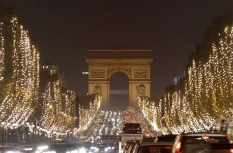 paris  december   wallpaper