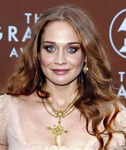 Fiona Apple Hairstyles in 2018