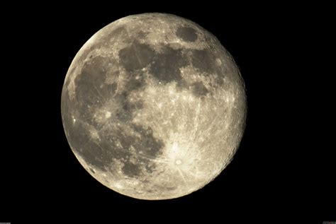 amazing close    moon hd