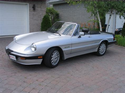 1988 Alfa Romeo Spider Photos, Informations, Articles