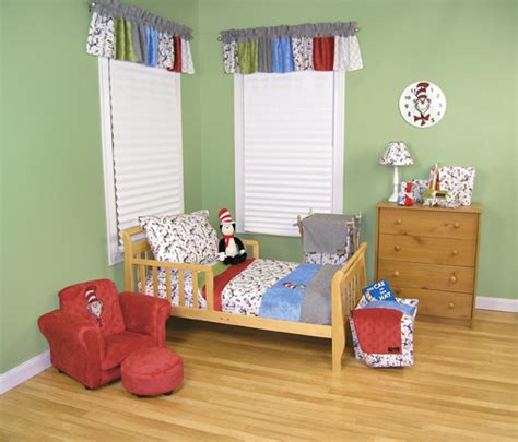 dr seuss bedroom dr seuss cat in the hat 4pc toddler bedding set by trend