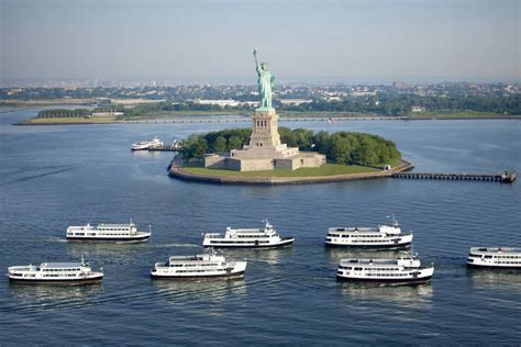 Boat Cruise Nyc Statue Of Liberty by Statue Cruises Manhattan Tours