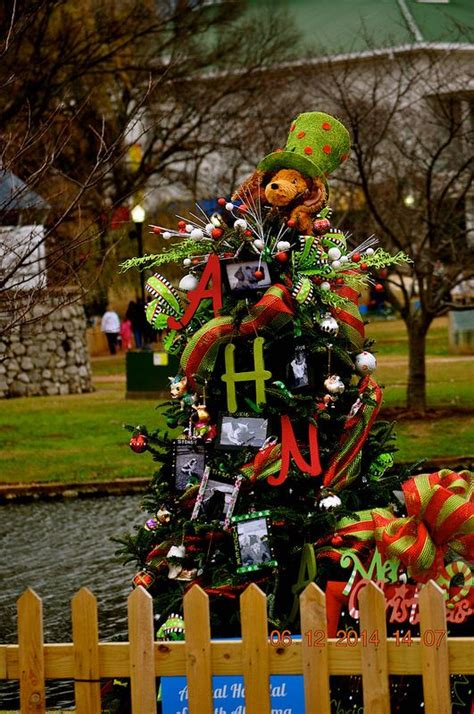 tinsel trail christmas trees images  pinterest
